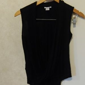Cache wrap low cut sleeveless shirt